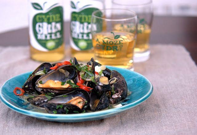 szczypta smaQ: Moules mariniere z cydrem green mill