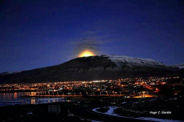 Luna sobre el Cerro Calafate
