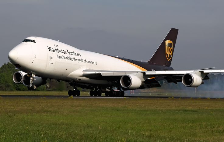 United Parcel Service (UPS) Boeing 747-44AF N572UP .........delivering  my packages on time!