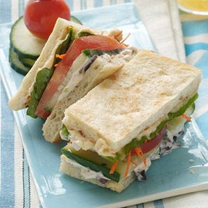 Hummus Sammy! Great idea for lunch with the girls!