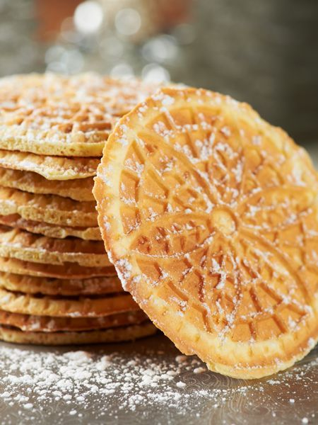 Celebrate the season with these delicious Pizzelles. #cookieexchange