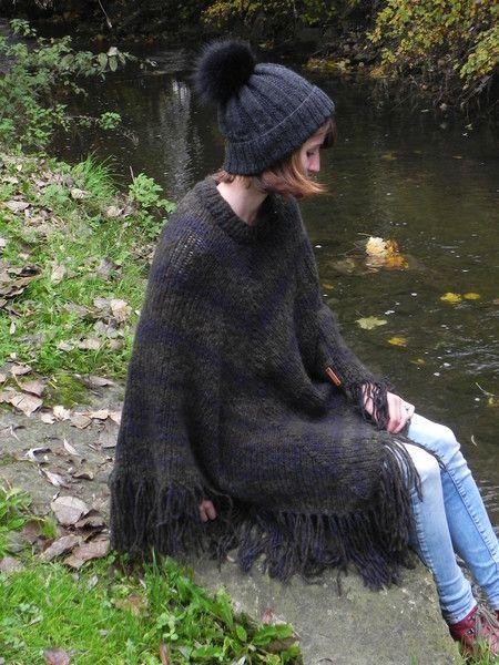 http://de.dawanda.com/product/107487007-poncho-strickponcho-cape-winterponcho-merino-ombre