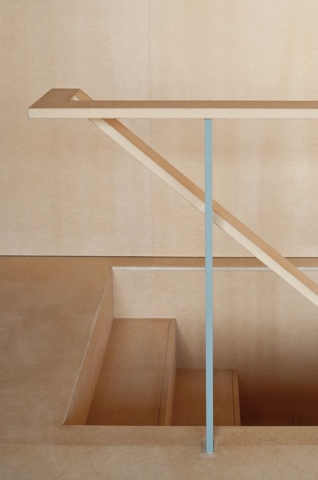 Very clear and clean detailing on the handrail at Near House MOUNT FUJI ARCHITECTS STUDIO
