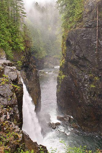 Campbell River, Elk Falls Provincial Park, British Columbia, Canada