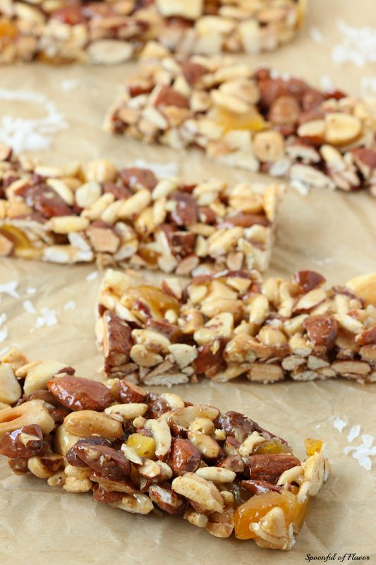 Mango Coconut Snack Bars - these nut bars are full of tropical flavors!
