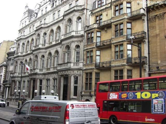 Short term rentals London - Piccadilly,WESTMINSTER Piccadilly. Perhaps the most typically English sounding of all the central London street names.
