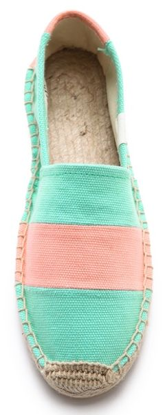 love these striped espadrilles http://rstyle.me/n/mskgvr9te