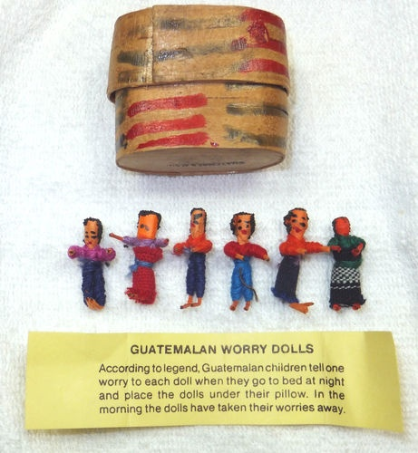 6 Vintage GUATEMALA WORRY DOLLS with Wooden Case & Paper 1