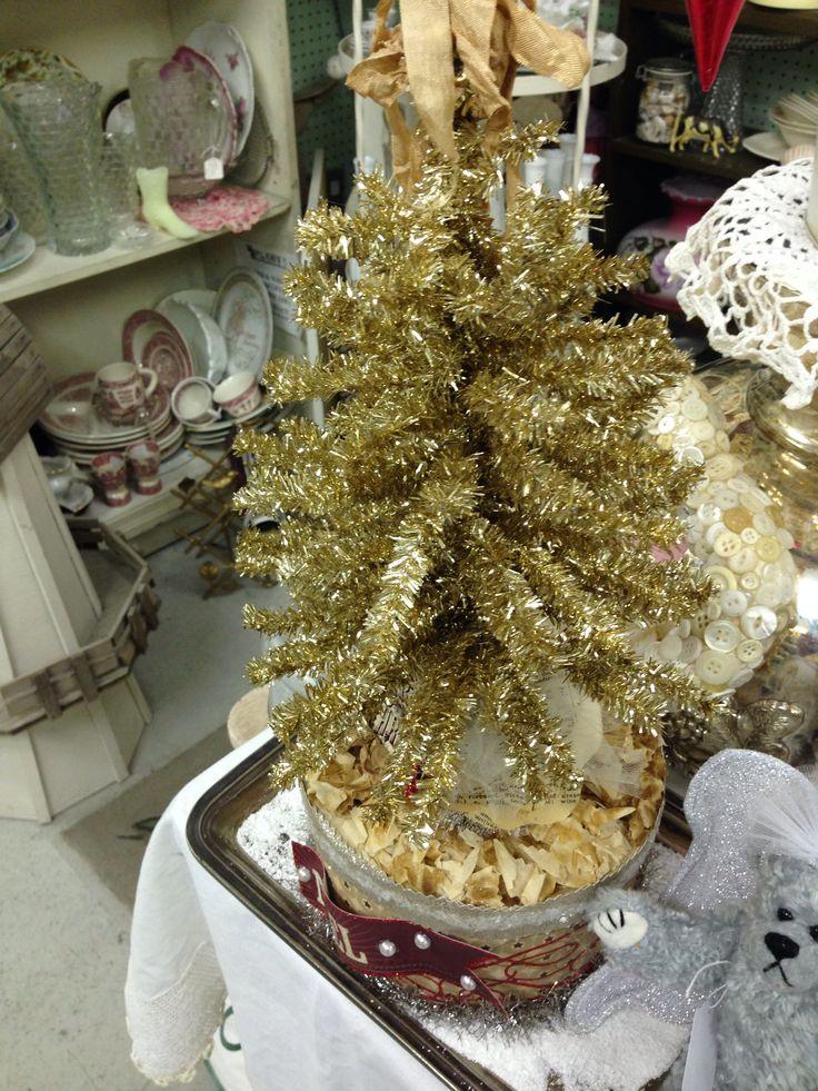 Treasures antique mall-Christmas decor