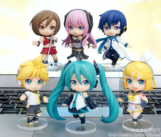 """vocaloidbuyblog: """" Reminder: Pre-orders Will Close Soon for These Nendoroid Petits! (Nendoroid Co-de Voting Poll Closes Soon!) Pre-orders close April 13th at 21:00 (9pm JST). You can use this online clock to see if you'll make it on time. Pre-orders..."""