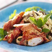 Baconrullad kycklingfilé med svamprisotto