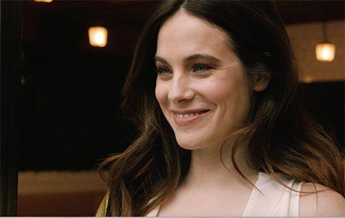 La détente selon l'actrice Caroline Dhavernas - Châtelaine