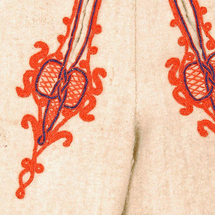 "Zdobienie spodni - Etnodizajn ""Wzornik"" / ENG: www.etnodizajn.pl... #etno #folk #inspirations"