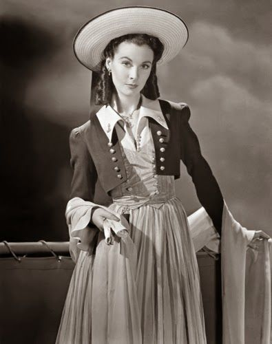 "Vintage Glamour Girls: Vivien Leigh in "" Lady Hamilton """