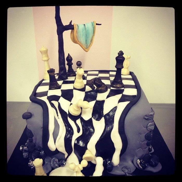 Dali Chess Cake with chocolate chess pieces, would I be able to do this?? Lets see....