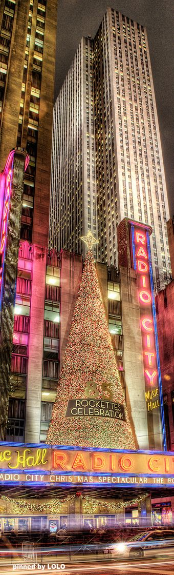 NYC Radio City Music Hall....reépinglé par Maurie Daboux .•*`*                                                                                                                                                                                 Plus