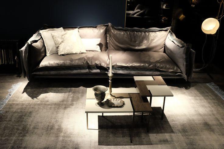 Auto-Reverse sofa  http://www.arketipo.com/prodotti/divani-33/1BC88DCA-0795-4150-9CE9-F85A0ACAF882/auto-reverse#arketipo