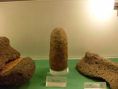 """Museo Archeologico di Dorgali (NU): """"Piccolo betile fallico"""", villaggio nuragico di Serra Orrios"""