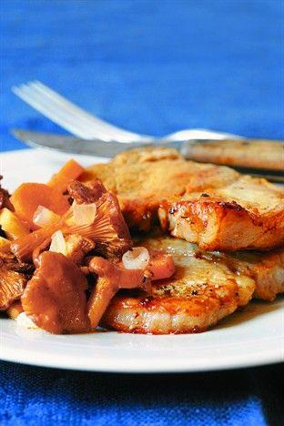 Côtes de veau rôties aux girolles - Larousse Cuisine