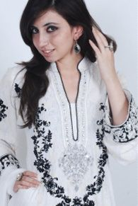 Pakistan Fashion Designer : Maria B