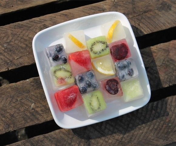 filled+ice | ... Menu Blog» Blog Archive » Friday Food Fun: Fruit Filled Ice Cubes: Trays, Fruit Fillings Ice Cubes, Fun Fruit, Drinks Healthy, Fruit Ice Cubes, Summer Drinks Recipes, Parties Ideas, Healthy Recipes, Drinks Ideas