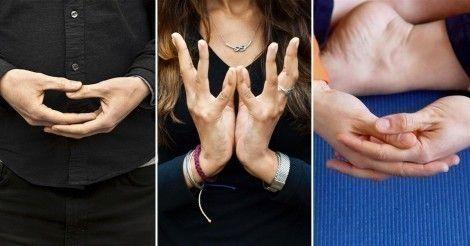 Conoce cómo hacer en pocos minutos simples posiciones de yoga con tus manos para desbloquear la energía en tu cuerpo y recuperar el bienestar y la alegría.