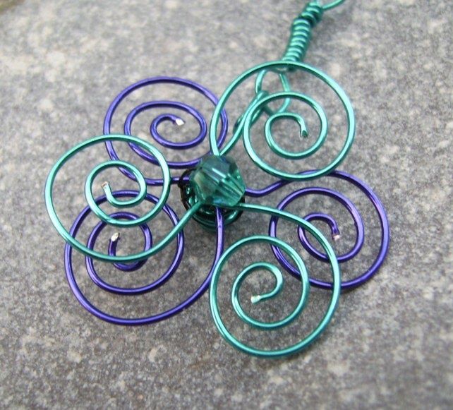Spiral Wire Flower Pendant Necklace £6.00