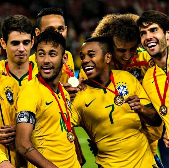 11/10 Brazil national football team. Oscar, Neymar, Robinho, David Luiz, Kaka