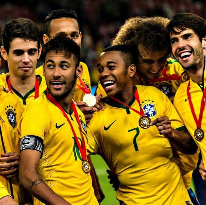 11/10 Brazil national football team. Oscar, Neymar, Robinho, David Luiz, Kaka