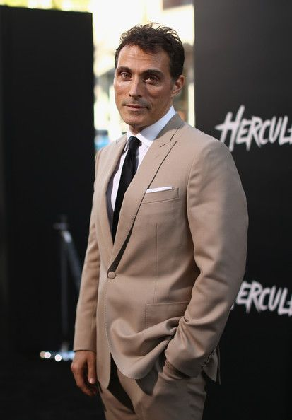 "Rufus Sewell Photos Photos - Actor Rufus Sewell attends the premiere of Paramount Pictures' ""HERCULES"" at  TCL Chinese Theatre on July 23, 2014 in Hollywood, California. - 'Hercules' Premieres in Hollywood — Part 3"