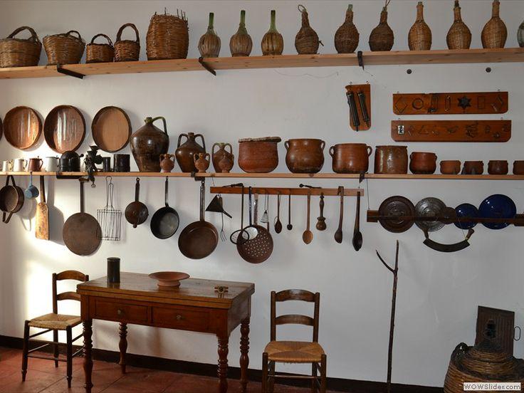 Padria (SS) Interno di una cucina della casa signorile Piras con utensili risalenti dal 1800 alla prima metà del 1900