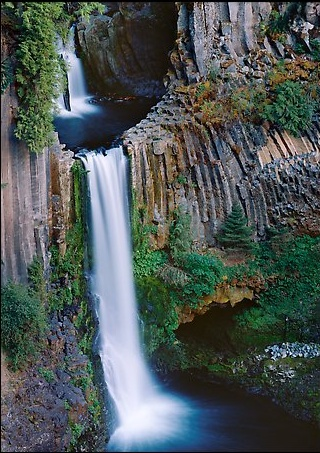 Basalt columns at Toketee Falls, Southern Oregon. http://www.terragalleria.com/america/oregon/southern-oregon-cascades/picture.usor20465.html