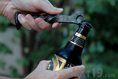 Railroad Spike Bottle Opener - These bottle openers are hand-forged from old railroad spikes that were collected from abandoned railroad lines. Cheap, and sure to turn heads at your next cocktail party.: Google Image, Dreams Kitchens, Beer Spikes, Cocktail Parties, Bottle Open, Railroad Spikes, Abandoned Railroad, Cocktails Parties, Spikes Bottle