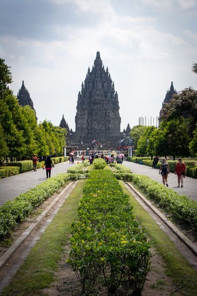240 temples à Prambanan !