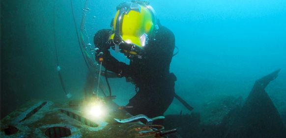 How I got into Commercial Diving http://www.dive.in/guide/how-i-got-into-commercial-diving/