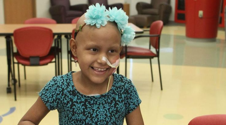 Articolo by Jessie Lee Larson & Giusy Anna Vitola Dopo aver combattuto contro il cancro per nove mesi, Brittny Valenzuela, 8 anni, è finalmente libera d