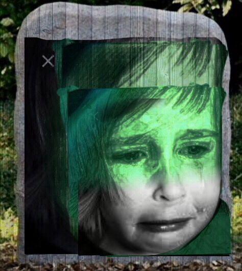 Dit is mijn verdrietige hoofd door middel van kleuren ze is verdrietig doordat haar hoofd vervaagt