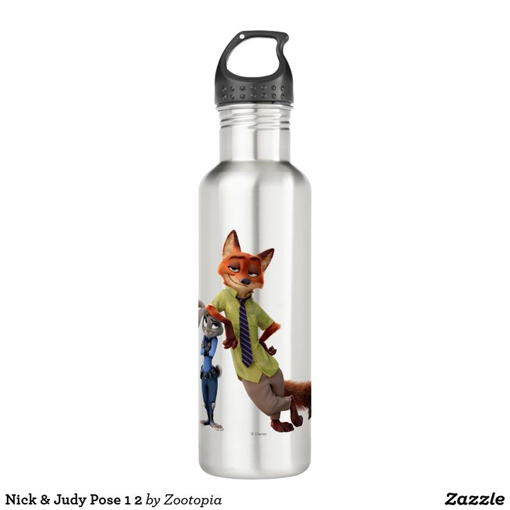 Nick & Judy Pose 1 2. Producto disponible en tienda Zazzle. Product available in Zazzle store. Regalos, Gifts. #bottle #botella