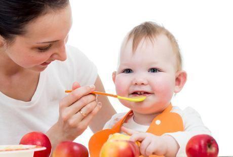 Cara Praktis Membuat Makanan Padat untuk Bayi Usia 6 Bulan - http://www.adorababyshop.co/cara-praktis-membuat-makanan-padat-buatan-rumahan-untuk-bayi-usia-6-bulan/