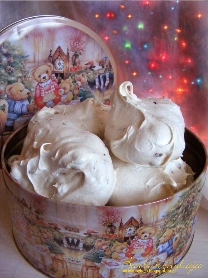 A tojásfehérjék hasznosítása már egy ideje nem okoz problémát, mióta kipróbáltam a Pavlovát  a márványos habcsókot  (Tücsök Bogártól)  és a ...