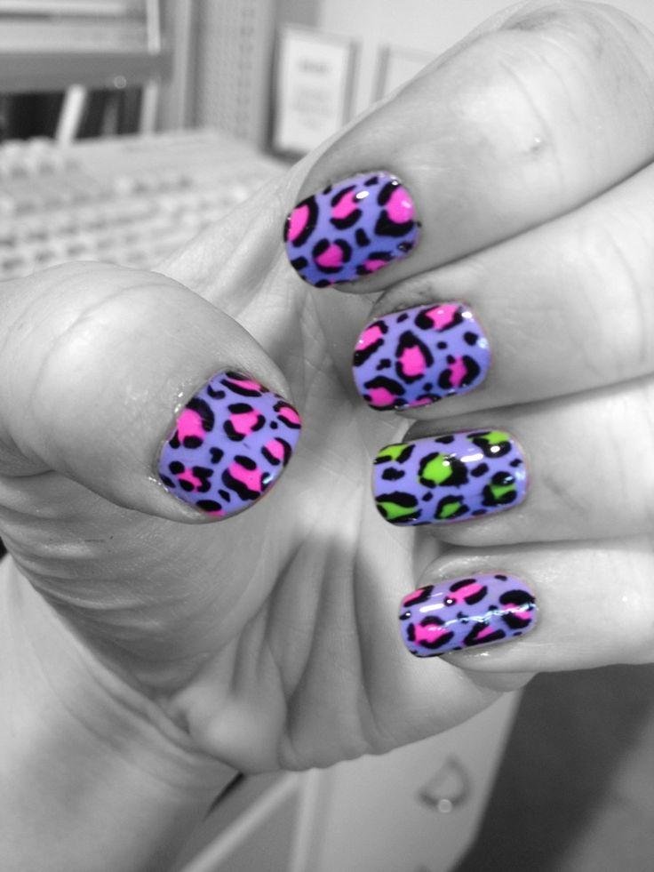 Rockabilly leopard nails