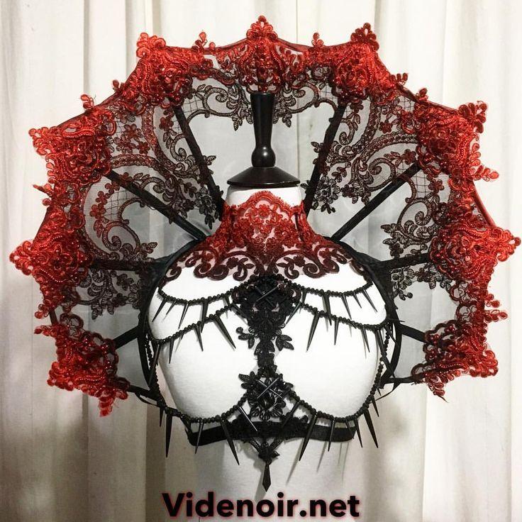 @masuimimax #outfit #black #red #shade #ombre #becklace #newstyle #shoulderpiece #vampire #style #beds #studs #handmade #videnoir #festivals #wavegothictreffen #wgt #meraluna #amphifestival #hautegotique #goth #gothic
