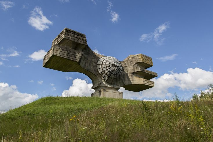 Gallery of Jonk's Photographs Depict the Abandonment and Beauty of Yugoslavian Monuments - 3