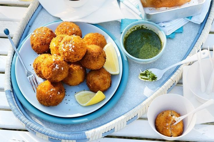 Who doesn't love arancini? Perfectly golden little balls of pumpkin, parmesan and rice. Top it off with this fresh salsa verde and you've got a winner!