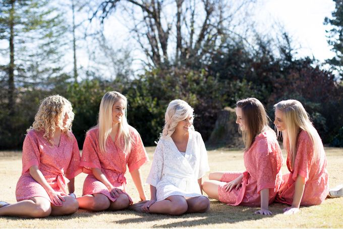 Pink lace robe by Tesi on hellopretty.co.za