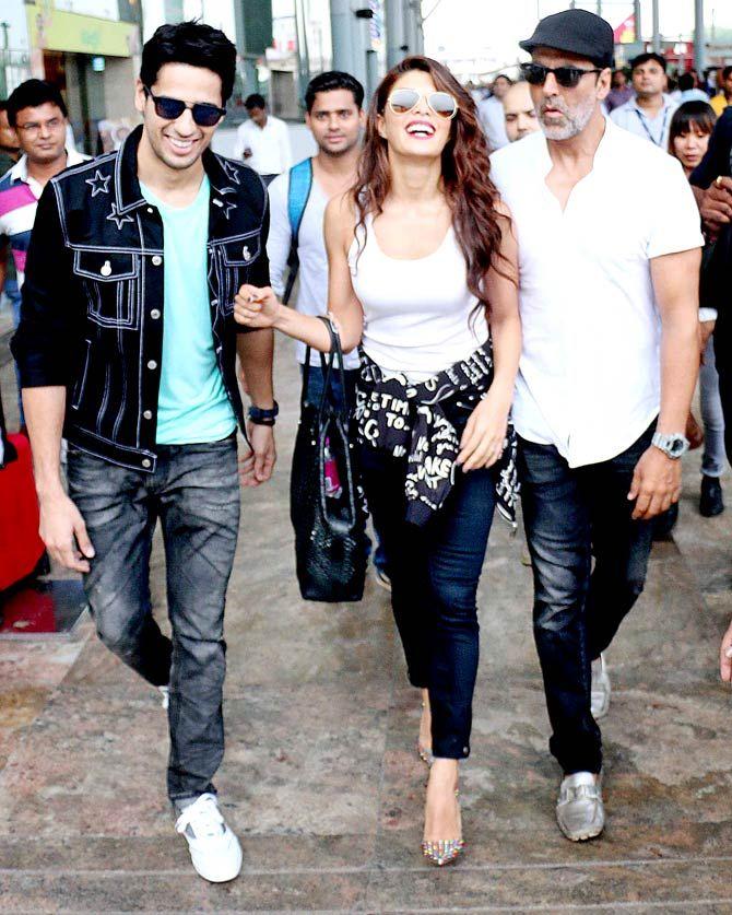 Sidharth Malhotra, Jacqueline Fernandez and Akshay Kumar at Delhi airport. #Bollywood #Brothers #Fashion #Style #Beauty #Handsome