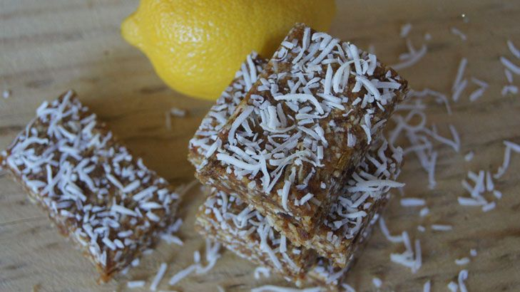 There are all kinds of zesty goodness in these raw lemon bars.
