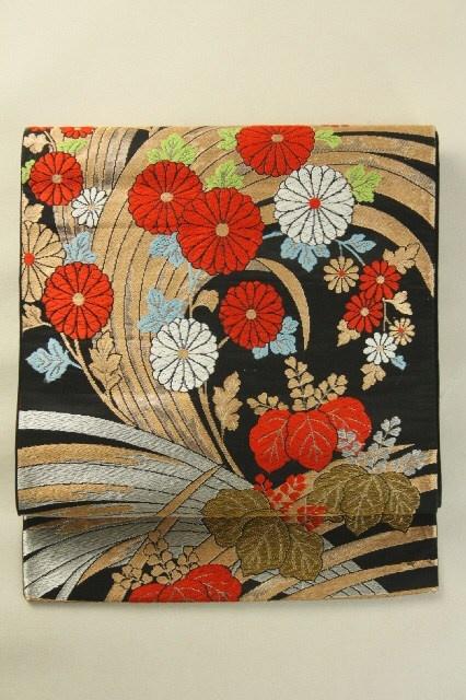 Black Fukuro Obi (Rokutsu), Grass and Flower Pattern / 黒地 細草花柄 六通袋帯 #Kimono #Japan http://www.rakuten.co.jp/aiyama/