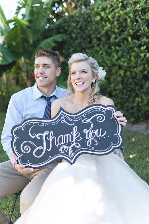 Wedding Talk: Chalk Board Photo Booth--- whatca think girls? @Katelynne Pease and @Rosy Camarillo