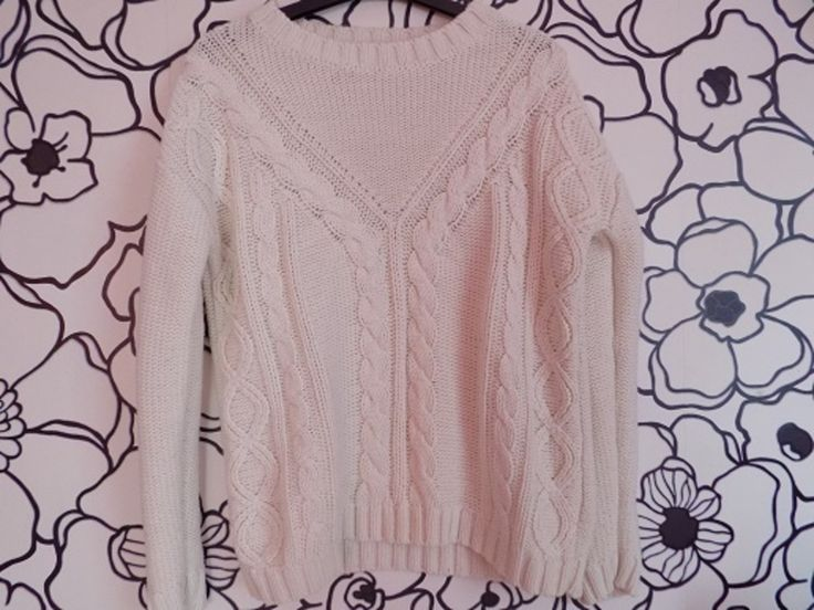 Wyjatkowy biały sweterek